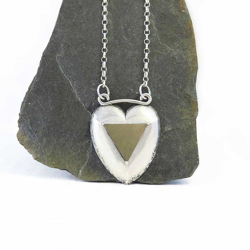 Ogrlica-pirit-maternica