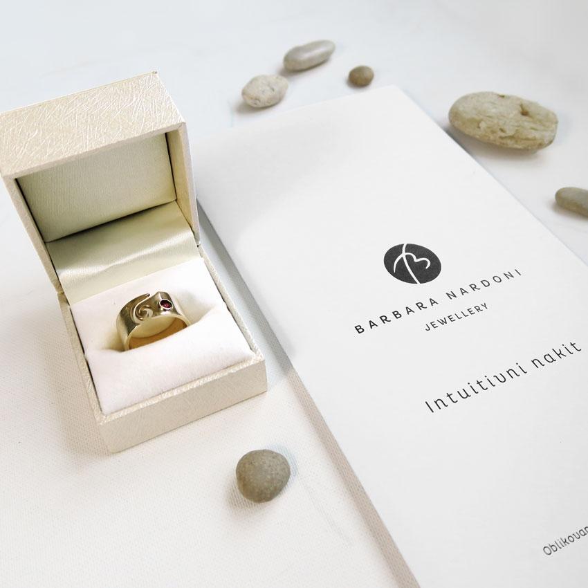 Zlat-prstan-intuitivni-nakit