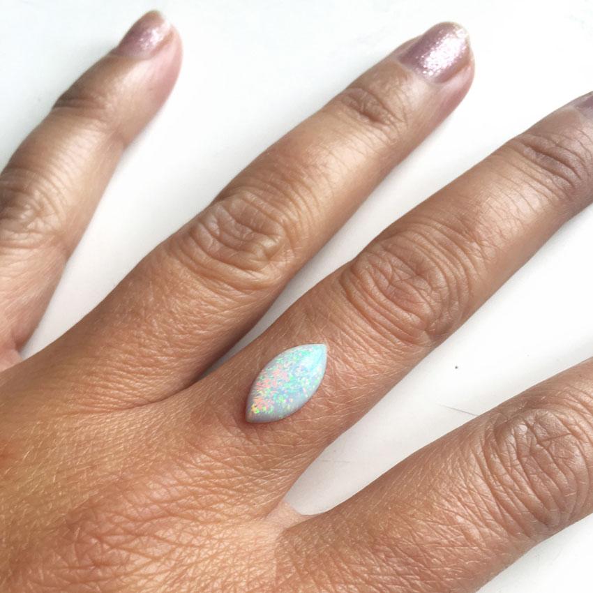 Opal-na-prstu