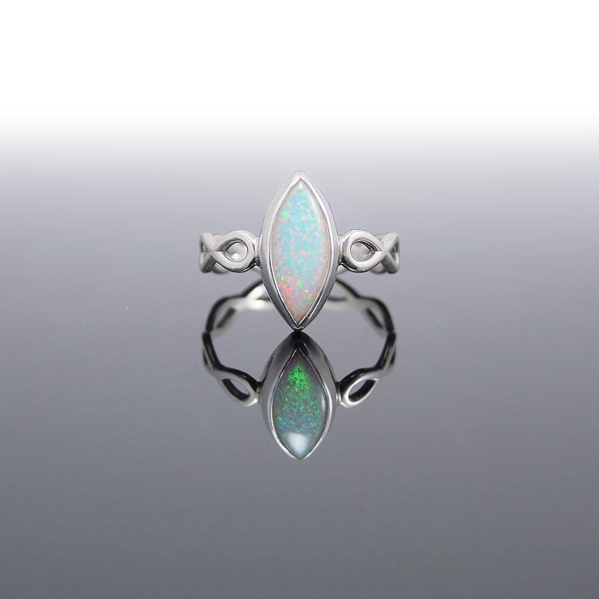 Prstan-srebro-opal