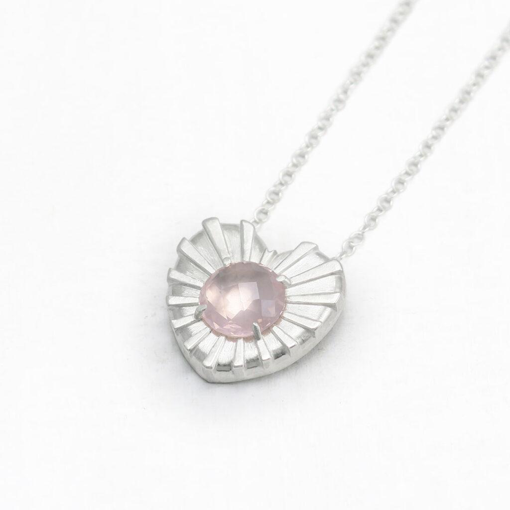 Ogrlica-intuitivni-nakit-rozevec