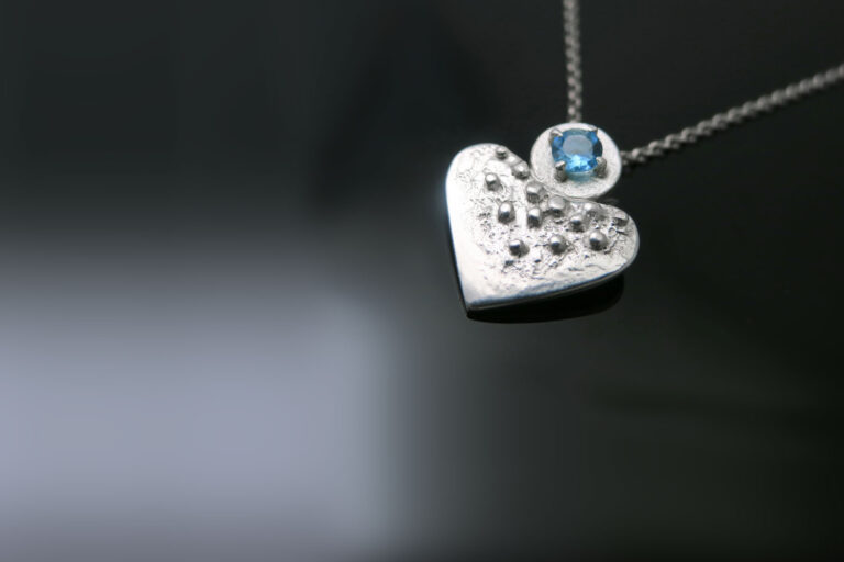 srebrna-ogrlica-topaz-intuitivni-nakit