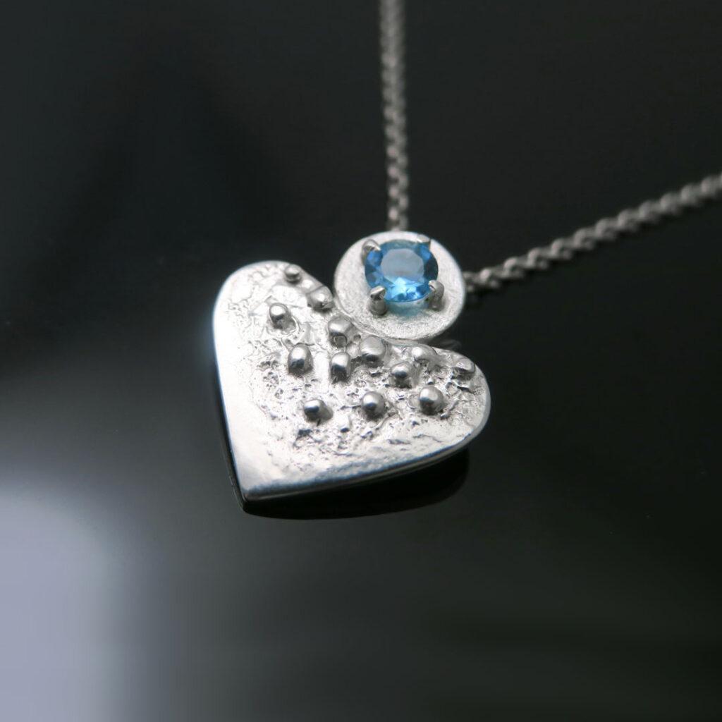 intuitivni-nakit-ogrlica-topaz-srce