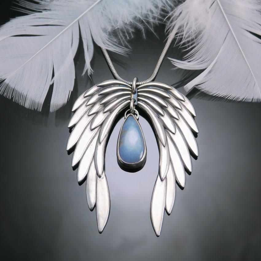 Angelska-krila-kristal-angelit