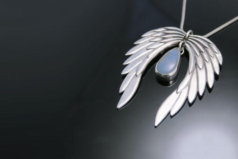 angelska-krila-angelit-naslovna