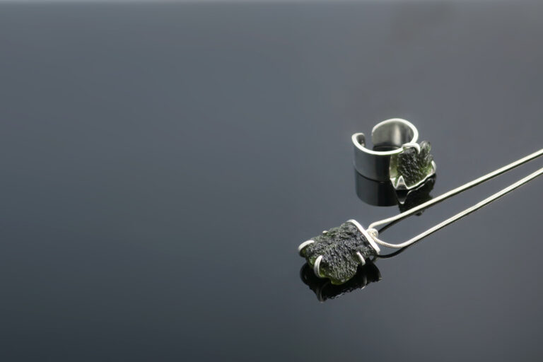 nakit- kristal-moldavitom
