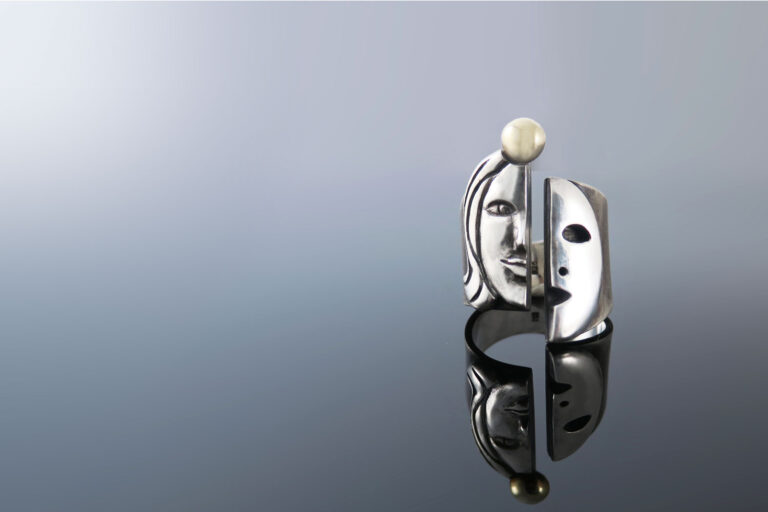 Prstan-maska-pravi-jaz-intuitivni nakit